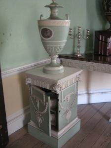 Chamber pot in a pedestal!